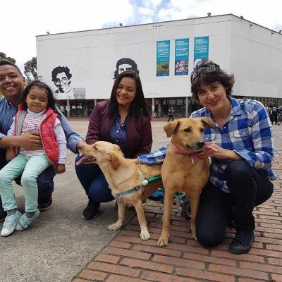 Paca y su familia vinieron a saludarme perronalmente desde Puerto Boyacá